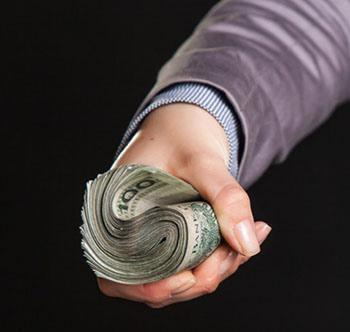So, all you presidential hopefuls, the choice is yours. Are you going to be honest, or are you going to take the money?