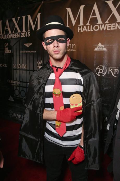 Nick-Jonas-Hamburglar-Halloween-Costume-Pictures
