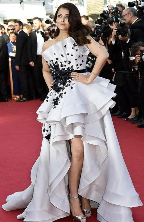 5 Unique Cocktail Dress and Gown Ideas for Red Carpet Look