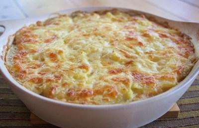 Cheesy Potatoes with Mushrooms and Leeks