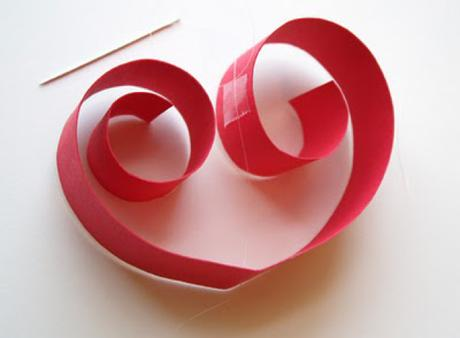 make your own valentines day paper heart garland
