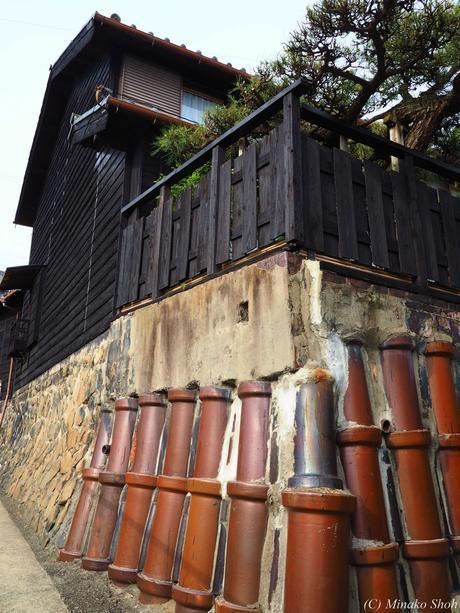 常滑焼の窯元をそぞろ歩く / Strolling around the potteries in Tokoname.