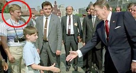 Vladimir Putin introducing his son to President Reagan.
