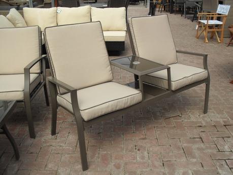 Aluminium Textaline Love Seat