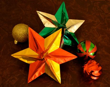 Dominanta Star origami christmas ornaments decorations decor holiday festive tree inexpensive cheap DIY make yourself affordable tips ideas how to step by step guide