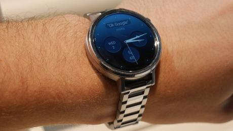 Apple Watch vs. Moto 360 2015 – Two Stunning Smartwatches Compared