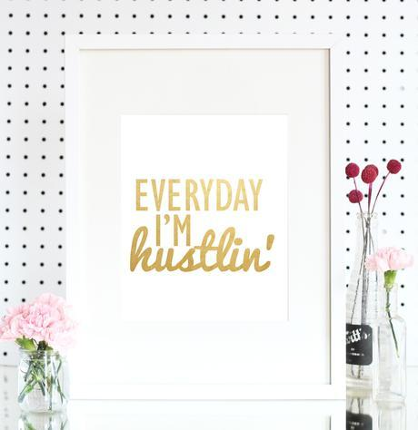 Holiday Hustiln' with Between The Lines Shoppe