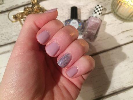 SIMPLE FESTIVE NAILS | CIATE STAR STRUCK