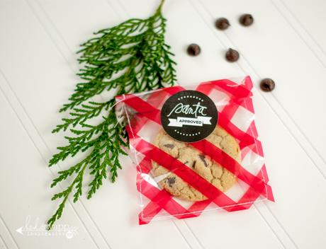 baking cookies or giving treats this season? here are a few fun ways to wrap them with cellophane...