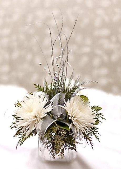 Winter Flower Arrangements Holiday Tablescapes In White With Greens