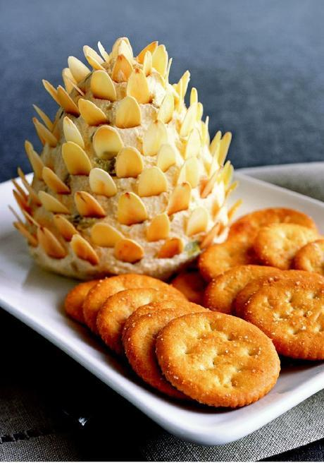pinecone cheese spread appitizer