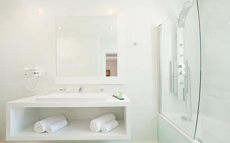 All White Bathroom all-white bathrooms: 5 pristine examples - paperblog