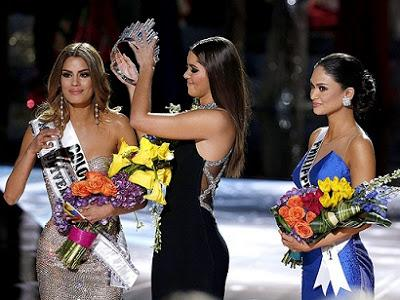 Miss Universe for a few minutes! (VIDEO)