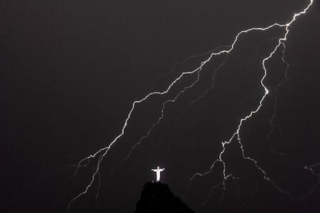 LIGHTNING-CHRIST THE REDEEMER