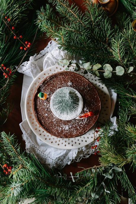 Whole Wheat, Pistachio-Cardamom Cake with Dark Chocolate Ganache // www.WithTheGrains.com