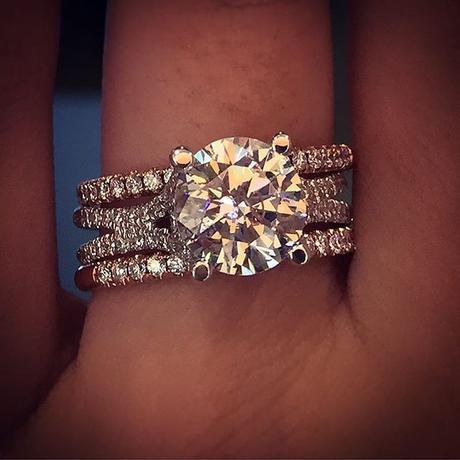 Rose gold and white gold wedding ring set