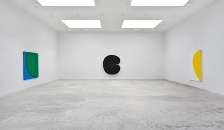 Installation view from %22Ellsworth Kelly- Los Angeles%22 at Matthew Marks Gallery, Los Angeles. Credit- © Ellsworth Kelly.