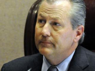 Mike Hubbard's primary defense lawyers seek to withdraw from his criminal case; does it mean the Riley Machine has cut Hubbard off at the knees?