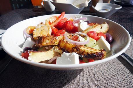 Chicken, feta & pomegranate salad
