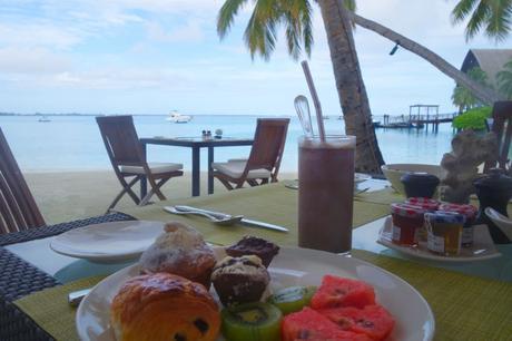 Breakfast on the beach at Shangri-La, Maldives