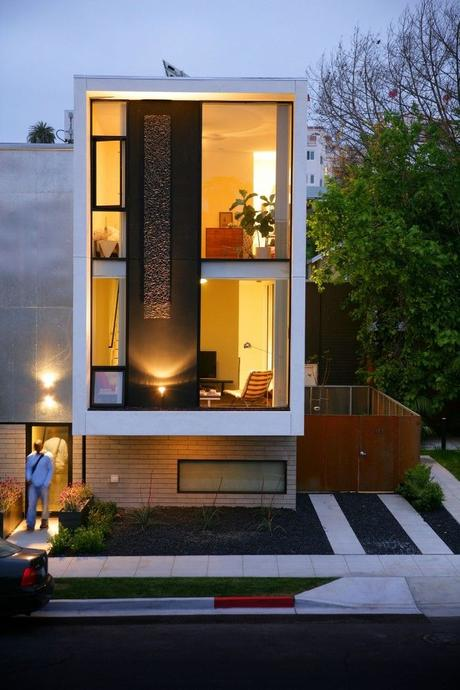 Architectural tour modern minimalist house paperblog for Minimalist house tour