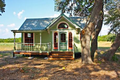 Phenomenal Hgtvs Tiny House Big Living Paperblog Largest Home Design Picture Inspirations Pitcheantrous