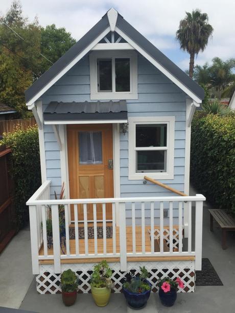 hgtvu0027s tiny house big living - Hgtv Tiny House