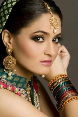 Stunning Bridal Makeup & Hairstyle Shoot For Wedding