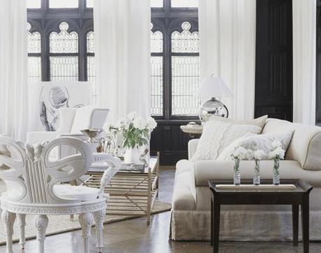 Oh so glamorous and elegant interiors in white