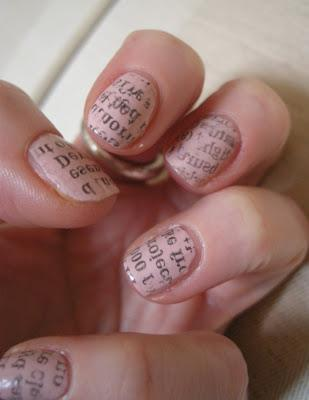 NOTD: Newsprint Nails!