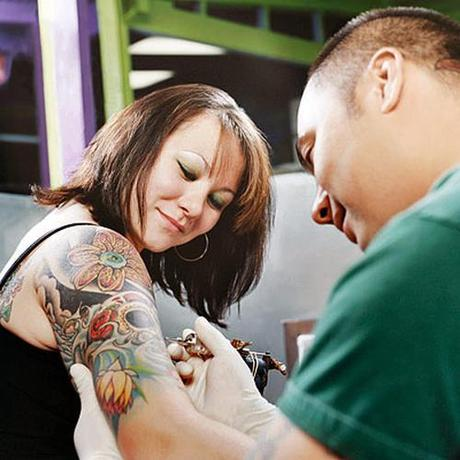 How to find a good tattoo artist paperblog for Good tattoo artists