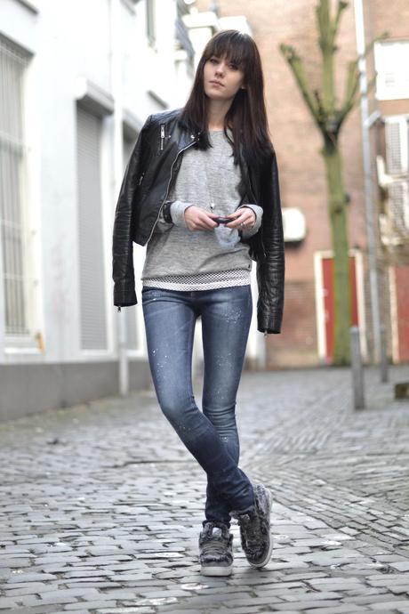 Female Grey Adidas Shoe With Fur