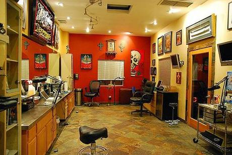... for in a Good Tattoo Shop Things to look for in a Good Tattoo Shop