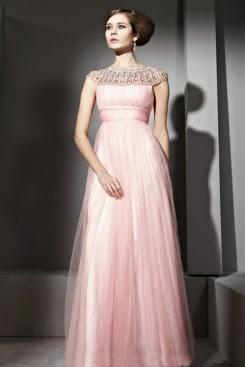 Choose a Homecoming Dress to Feel Like Celebrity