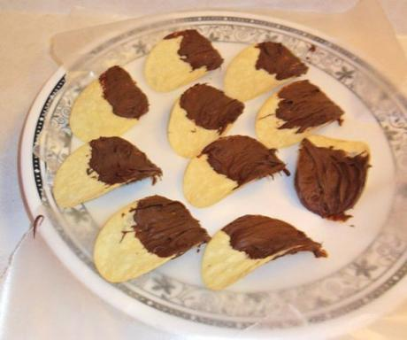 Chocolate Crisps Made With Pringles