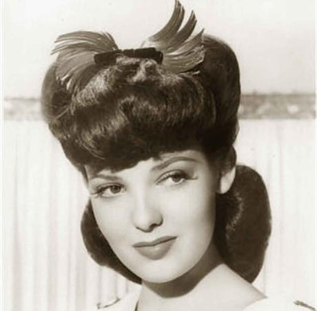 1940s-Hairstyles---Memorable-Pompadours---Linda-Darnell