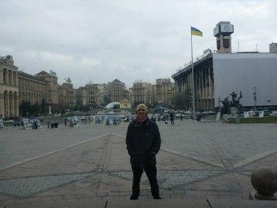 Downtown Kiev by day, textbook spot of backpacking