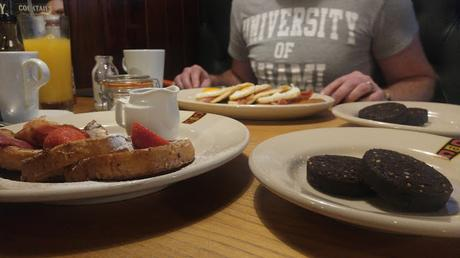 Coast To Coast American Restaurant & Bar // Breakfast Menu // Review
