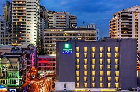 Holiday Inn Express Bangkok Sukhumvit 11: Perfect for Reveling