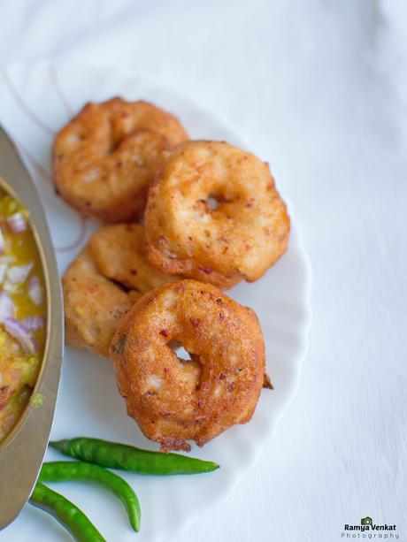 how to prepare ulunthu vadai