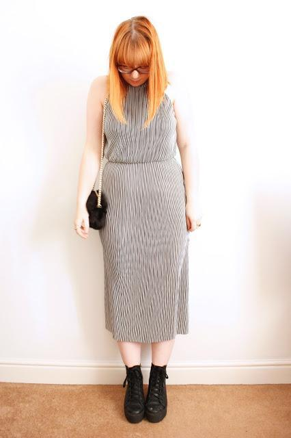 Outfit - The Plisse Stripe Dress