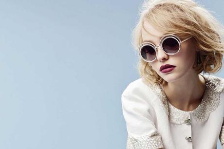 chanel-pearl-eyewear-lily-rose-depp-Karl-Lagerfeld-5