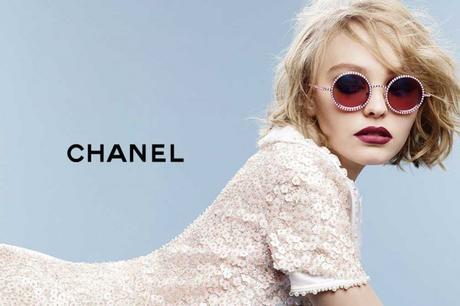 chanel-pearl-eyewear-lily-rose-depp-Karl-Lagerfeld-4