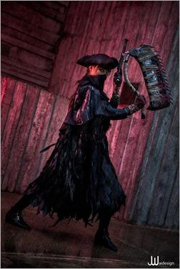 Vanessa Wedge as Bloodborne Hunter (Photo by JwaiDesign Photography)