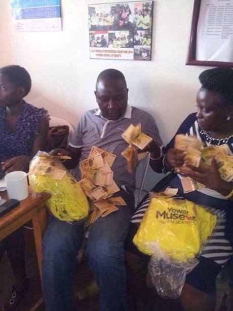 #UgandaDecides counting Uganda shillings