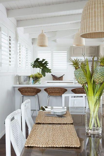 Just a touch of tropical style in a white room looks absolutely beautiful. Great look from @centsationalgrl: