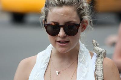 Kate Hudson Knits for Peace of Mind and To Be Pretty Happy