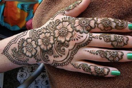 Design Of Mehndi For Women : Why do ladies love mehndi designs so much paper