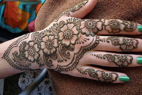 Mehndi design ladies