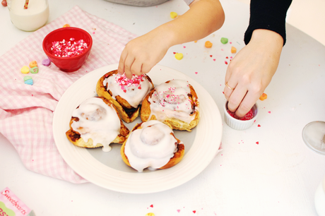 How To Make Heart Cinnamon Rolls With Your Kids